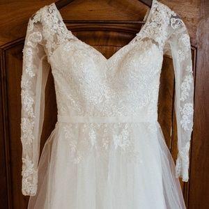 David's Bridal Wedding Dress Size 0-2
